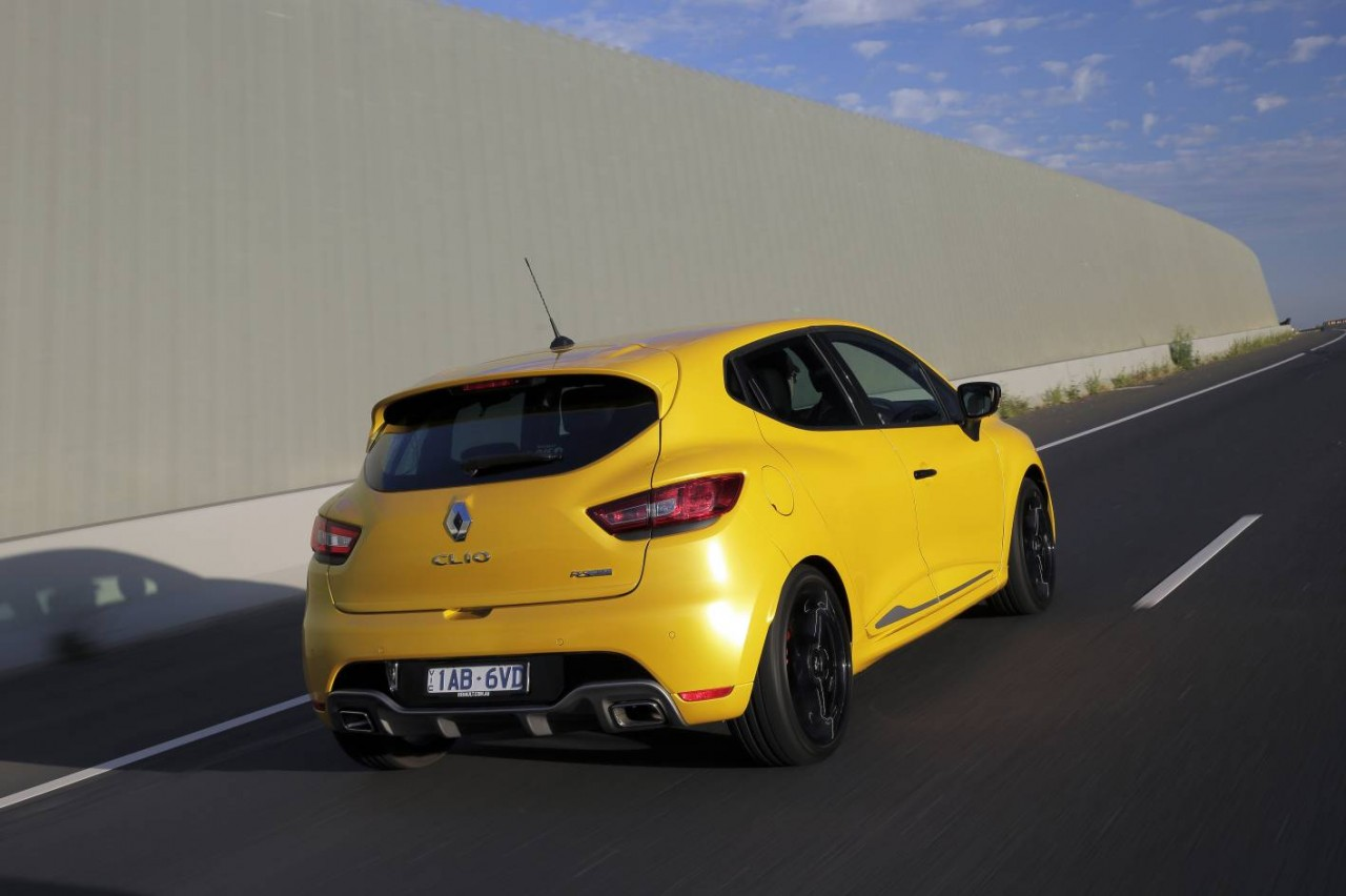 renault clio r s 200 edc on sale in australia from 28 790 performancedrive. Black Bedroom Furniture Sets. Home Design Ideas