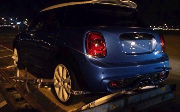 2014 MINI Cooper five-door wagon