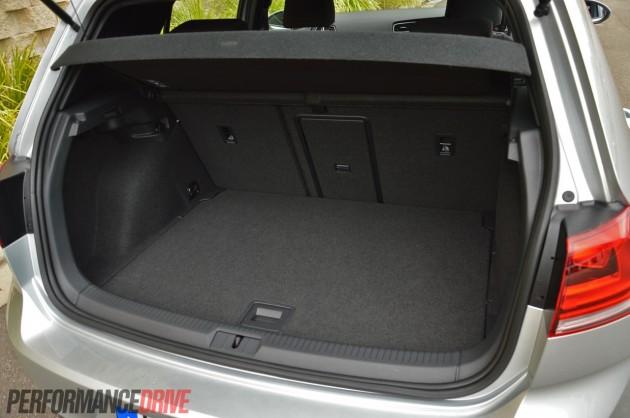 2014 Volkswagen Golf GTI Mk7 cargo space