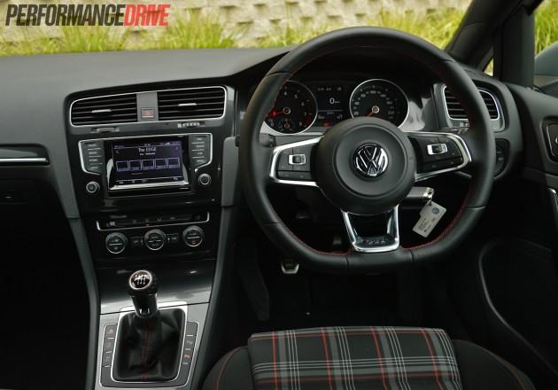 2014 Volkswagen Golf GTI Mk7 dash