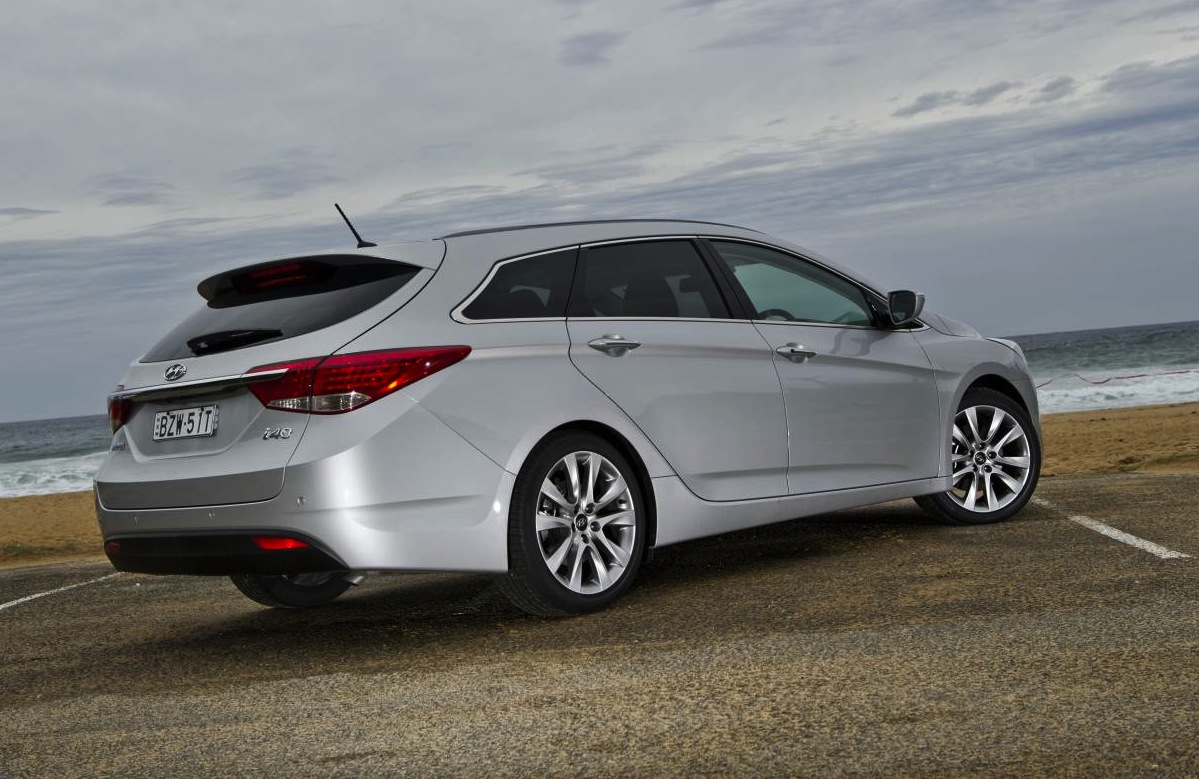 2014 hyundai i40 gets driving modes and auto tailgate performancedrive. Black Bedroom Furniture Sets. Home Design Ideas