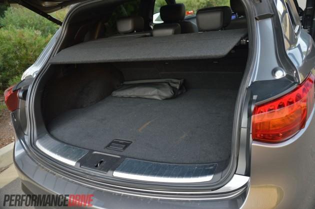 Infiniti FX37 S Premium-cargo space