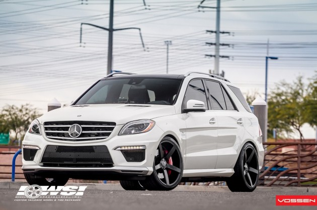 Mercedes-Benz ML 63 AMG Vossen CV3 black wheels