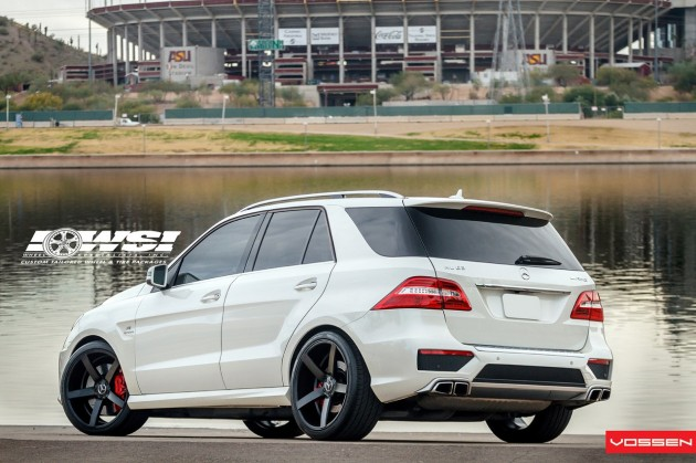 Mercedes-Benz ML 63 AMG Vossen CV3 wheels rear