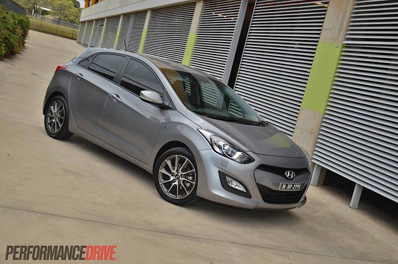 2014 Hyundai i30 SR review (video)