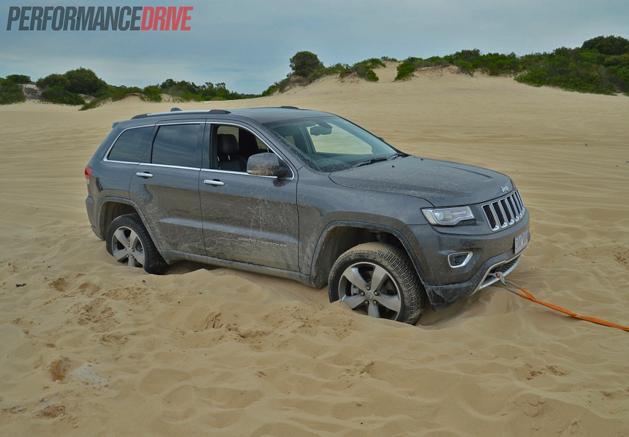 2014 jeep grand cherokee limited bogged. Black Bedroom Furniture Sets. Home Design Ideas