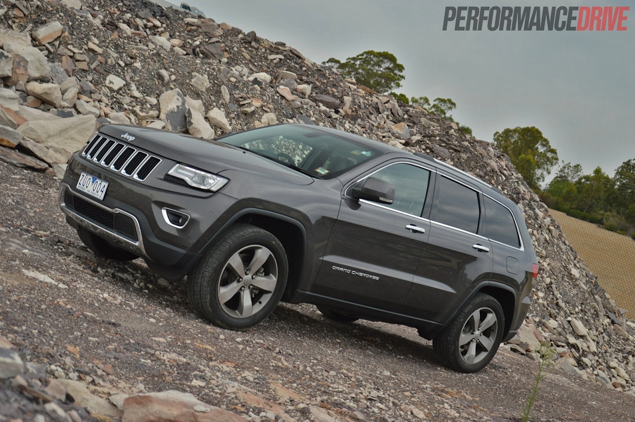 specs and prices including photos on 2014 grand cherokee laredo 4x4. Black Bedroom Furniture Sets. Home Design Ideas