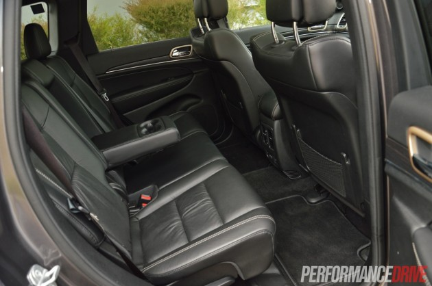 2014 Jeep Grand Cherokee Limited rear seats