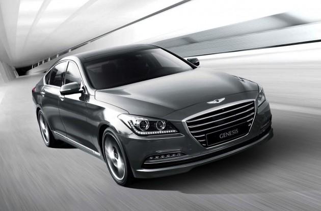 2015-Hyundai-Genesis-sedan-front