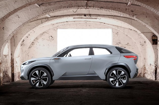 Hyundai Intrado concept-side