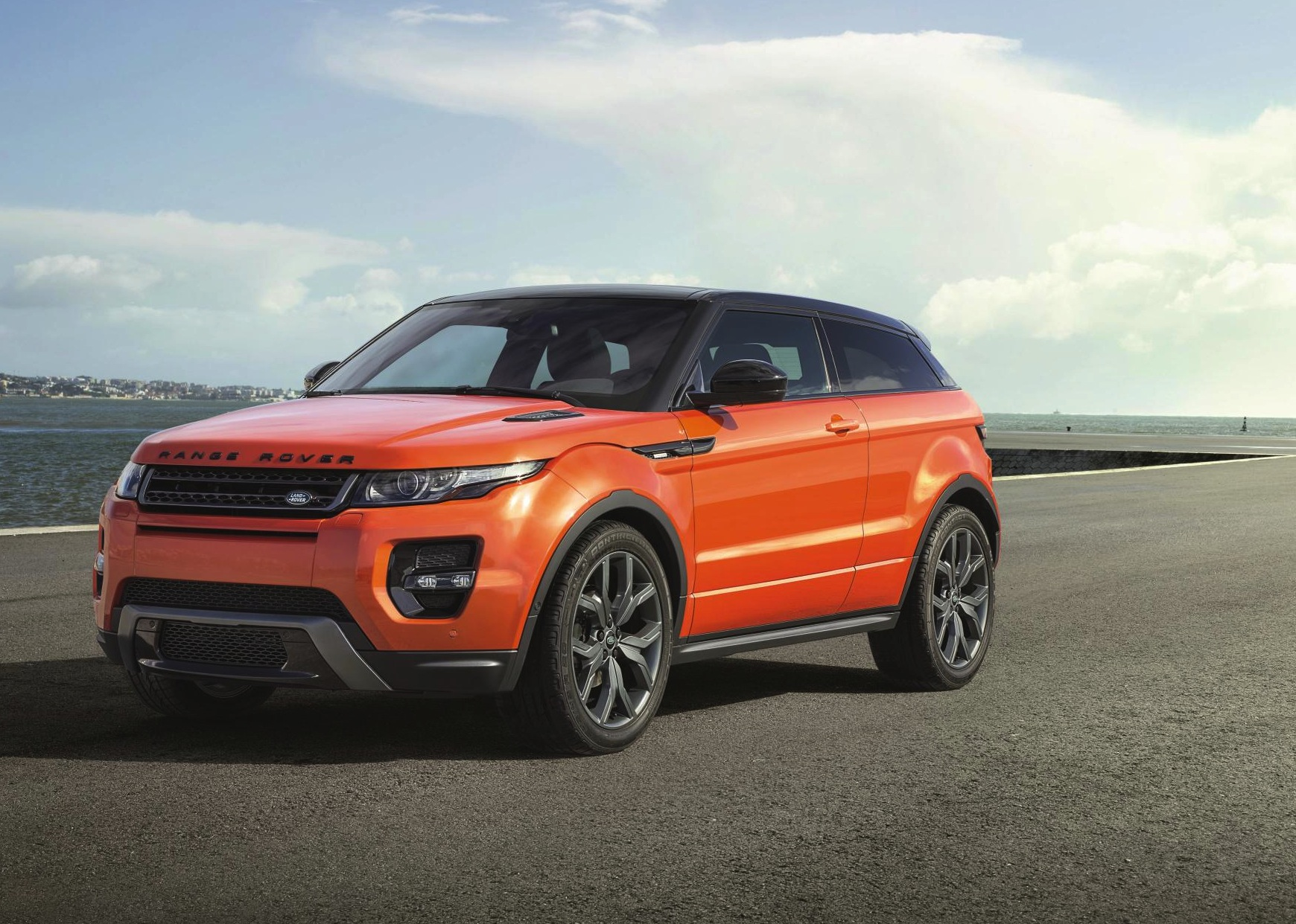 range rover evoque autobiography new performance model. Black Bedroom Furniture Sets. Home Design Ideas