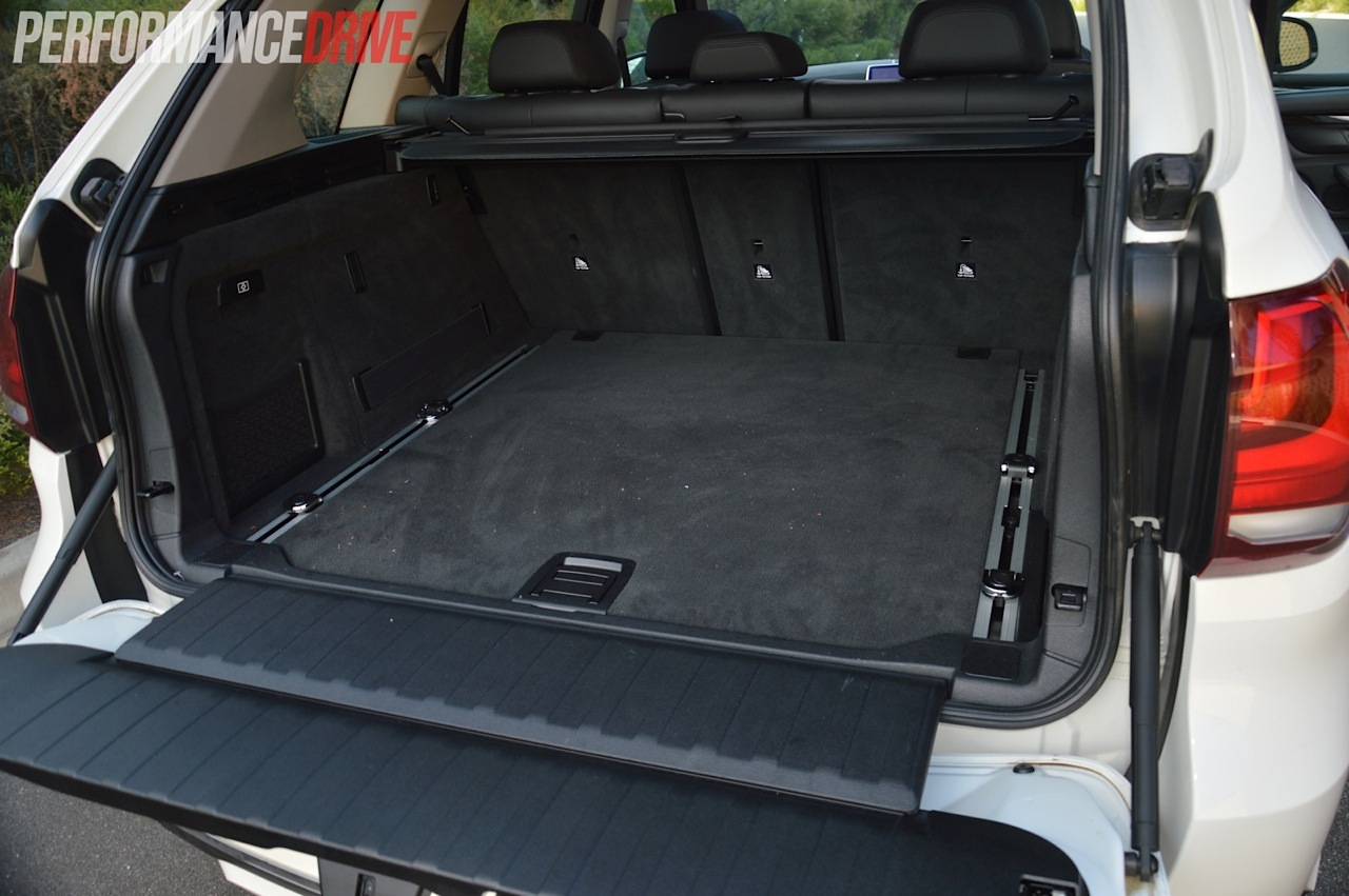 2014 bmw x5 xdrive50i cargo space. Black Bedroom Furniture Sets. Home Design Ideas