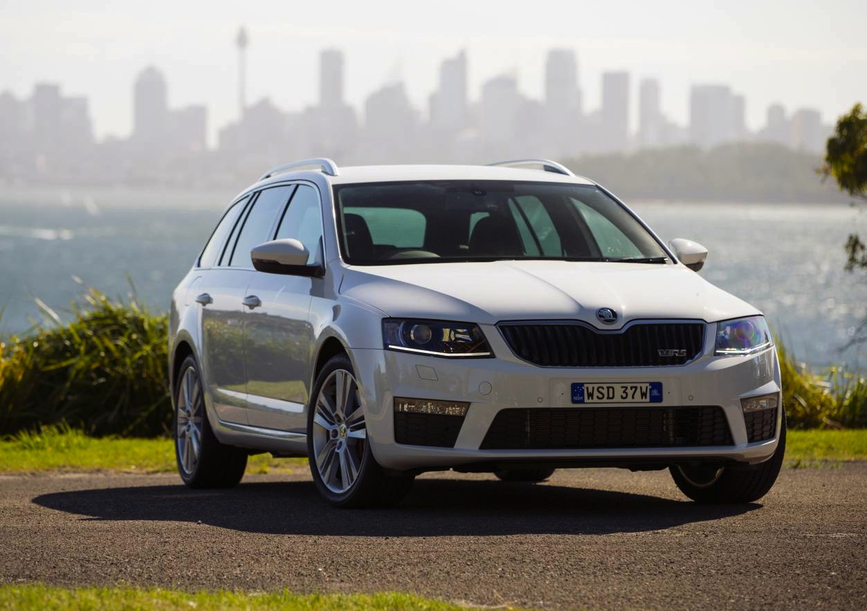 2014 skoda octavia rs wagon. Black Bedroom Furniture Sets. Home Design Ideas
