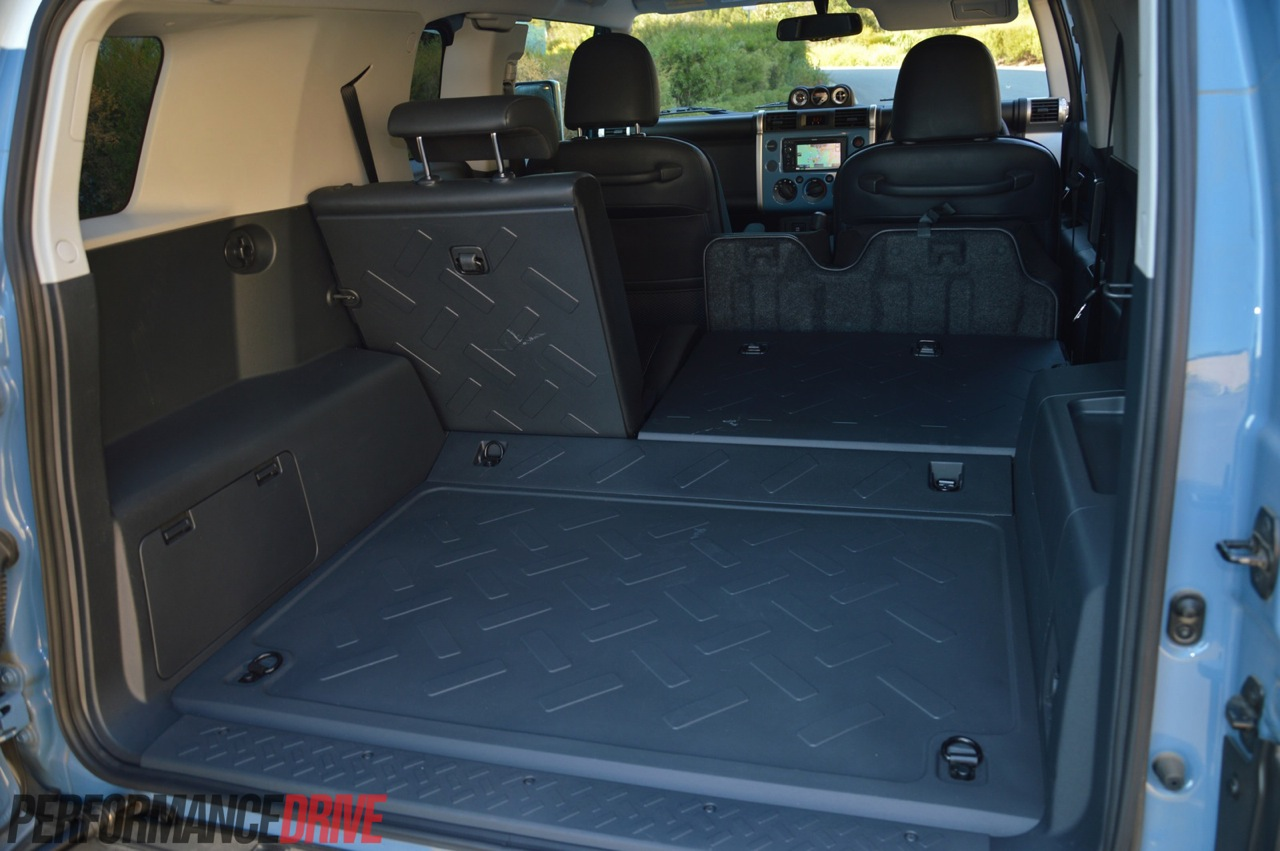Toyota Fj Cruiser Cargo Space on Toyota Land Cruiser Interior