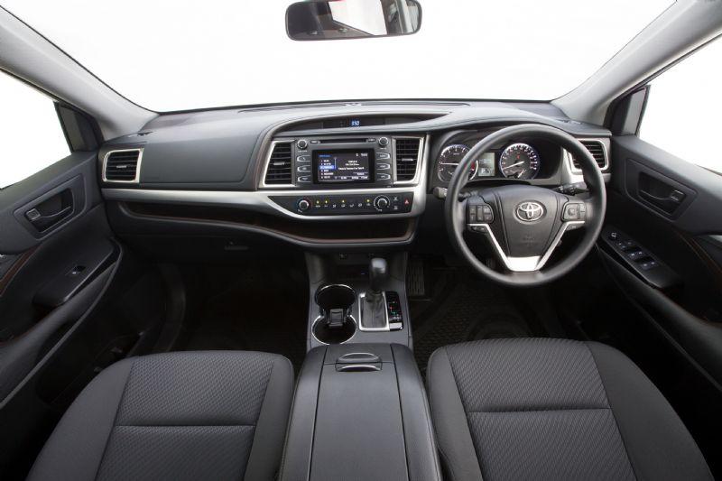 2014 Toyota Kluger GX interior