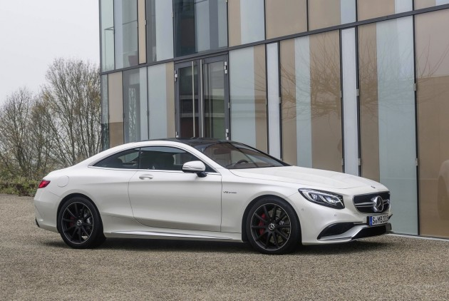 Mercedes-Benz S 63 AMG Coupe-front side