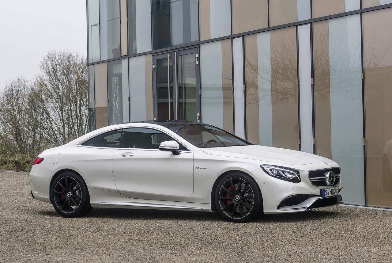 stunning mercedes benz s 63 amg coupe revealed performancedrive. Black Bedroom Furniture Sets. Home Design Ideas