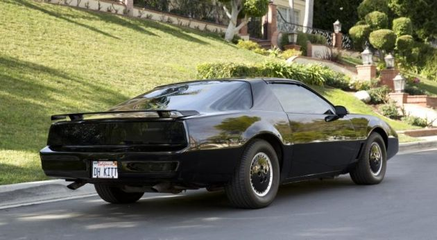 1986-Pontiac-Firebird-Knight-Rider-rear.
