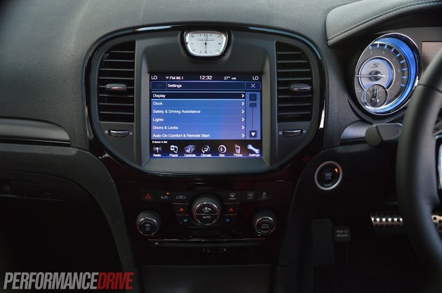 2014 Chrysler 300s Uconnect Touch Screen