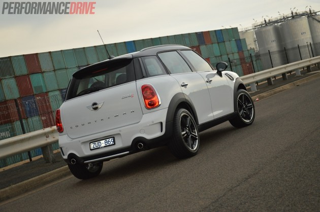 2014 MINI Countryman Cooper S rear
