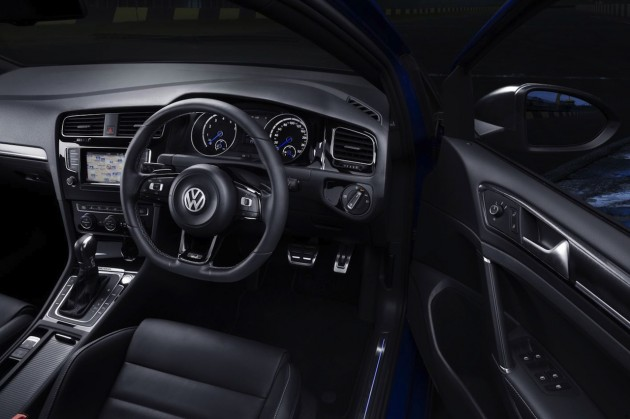 2014 Volkswagen Golf R interior