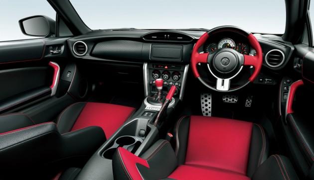 2015 Toyota GT 86 update-interior