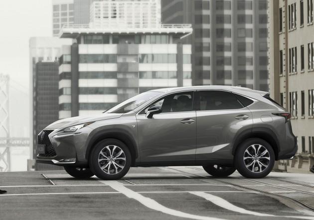 Lexus NX-side