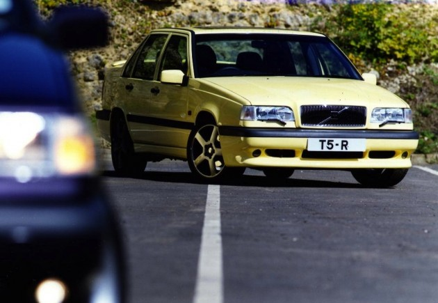 Volvo 850 R-yellow