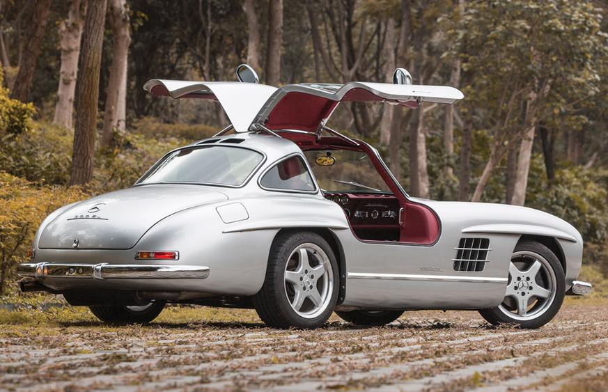For sale 1954 mercedes benz 300sl gullwing with amg v8 for 1954 mercedes benz gullwing