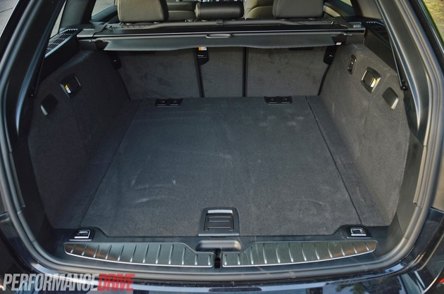 2014 BMW 520d Touring M Sport-cargo space
