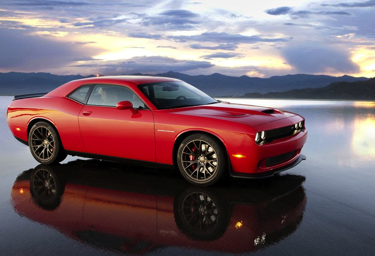 dodge challenger srt hellcat revealed chrysler 39 s most powerful v8 performancedrive. Black Bedroom Furniture Sets. Home Design Ideas