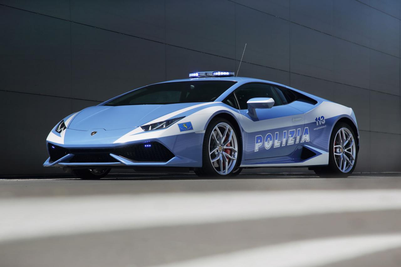 lamborghini huracan police cars join italian force performancedrive. Black Bedroom Furniture Sets. Home Design Ideas