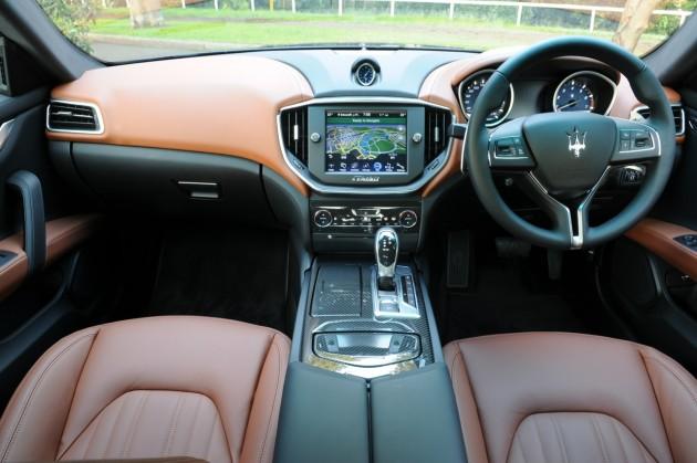 Maserati Ghibli S-interior