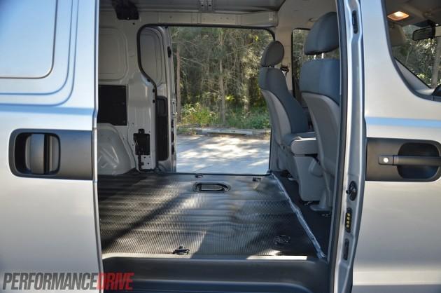 2014 Hyundai iLoad-side doors