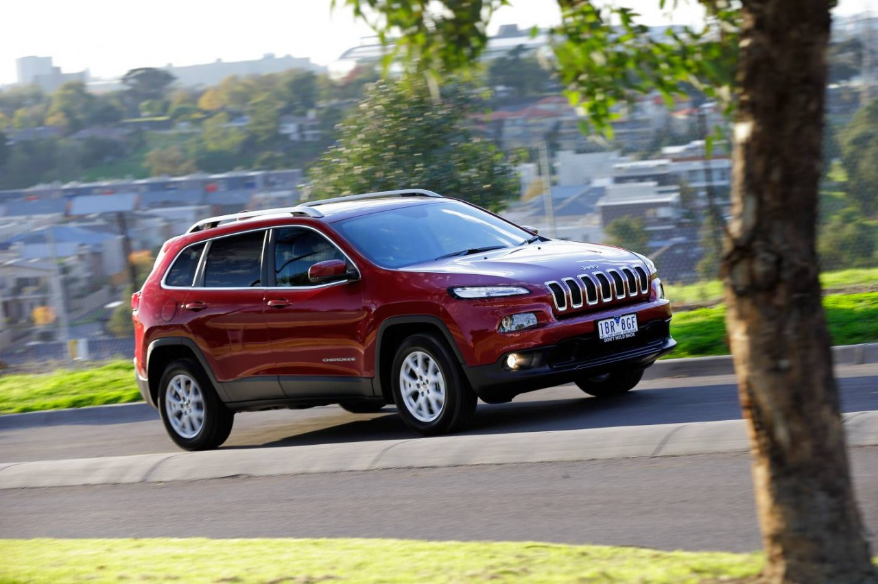 2014 jeep cherokee on sale in australia from 33 500. Black Bedroom Furniture Sets. Home Design Ideas