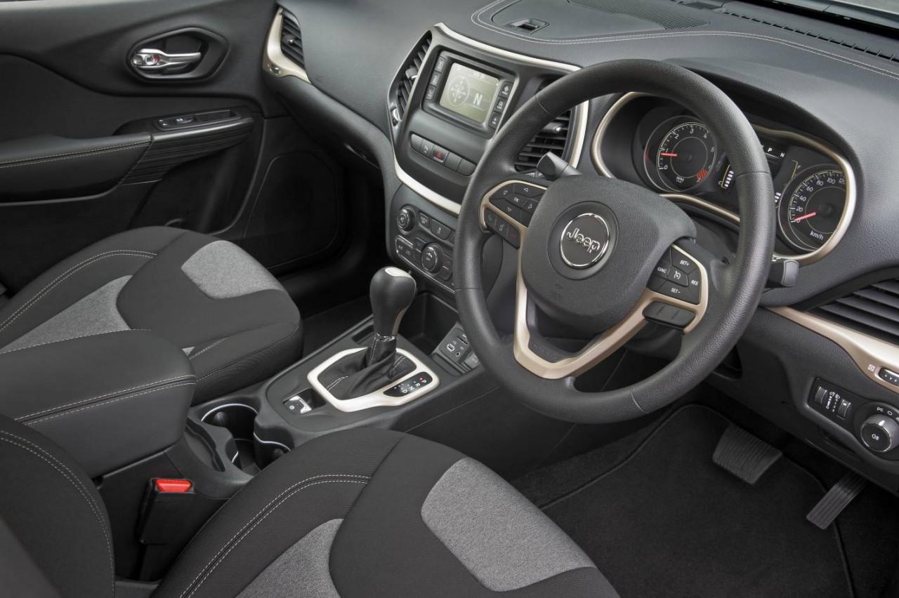 cherokee jeep interior sport australia trailhawk kl limited cyl performancedrive petrol