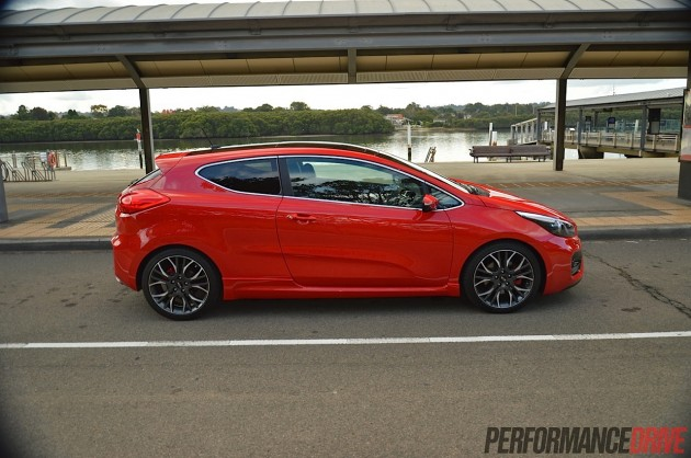 2014 Kia Pro_cee'd GT-three-door