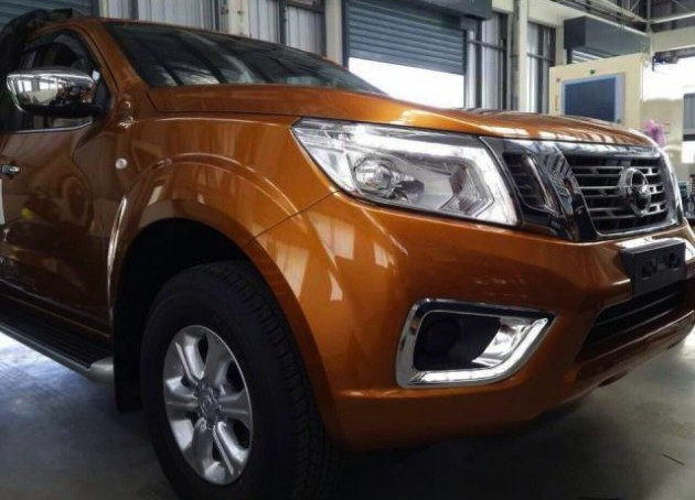 2015 Nissan Navara-orange