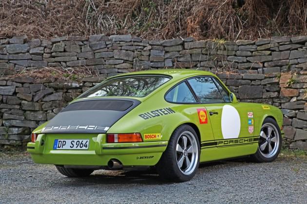 DP Motorsports Porsche 911 964-rear