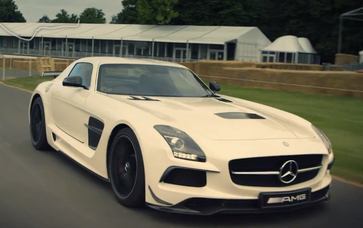 David Coulthard drives Goodwood Hill in SLS AMG Black Series