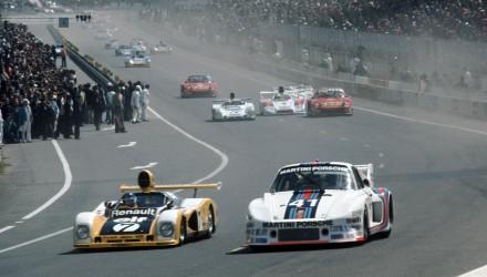 Porsche Typ 935_ Turbo in Le Mans 1977