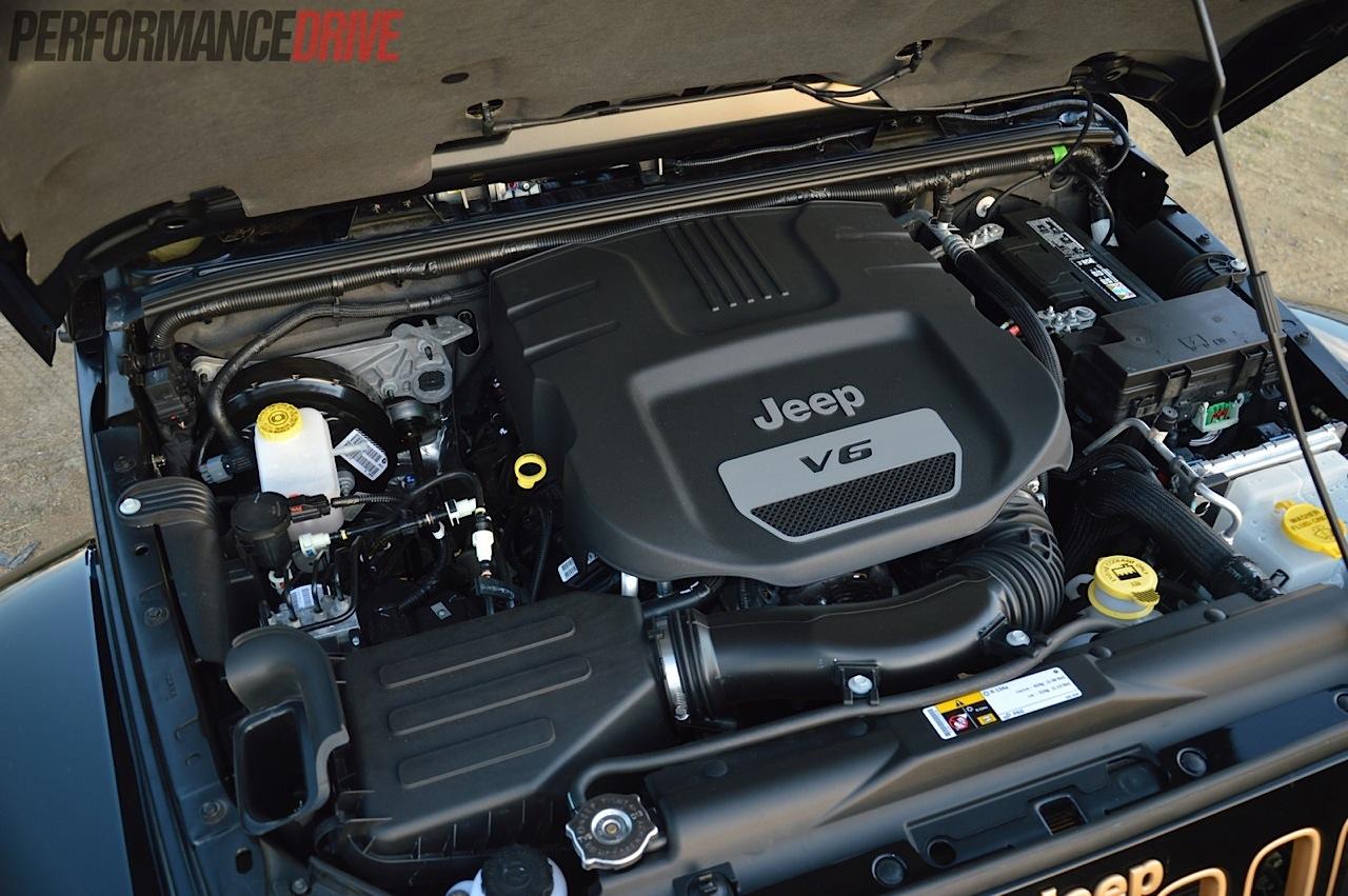 jeep wrangler dragon edition review video performancedrive. Black Bedroom Furniture Sets. Home Design Ideas