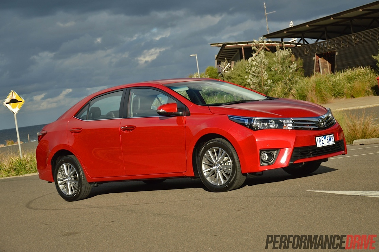 2014 toyota corolla zr sedan wildfire red. Black Bedroom Furniture Sets. Home Design Ideas