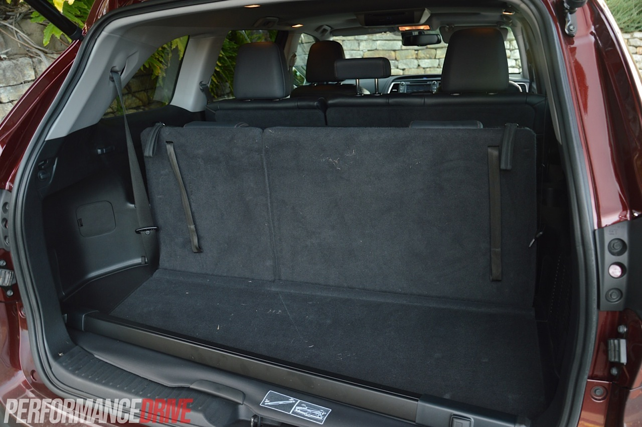 Toyota Highlander Cargo Space >> 2014 Toyota Kluger Grande review (video) | PerformanceDrive