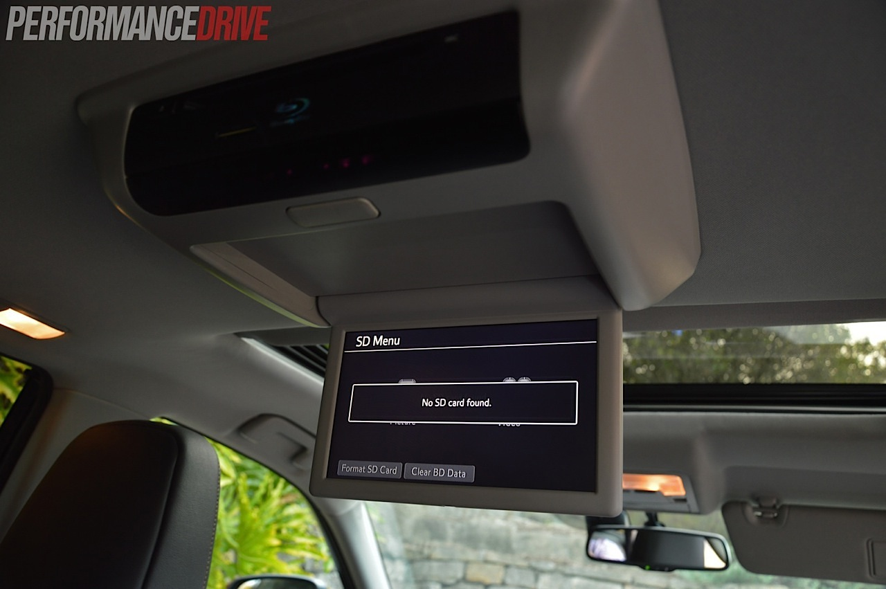 2018 toyota kluger grande. perfect toyota 2014 toyota kluger granderear dvd player inside 2018 toyota kluger grande