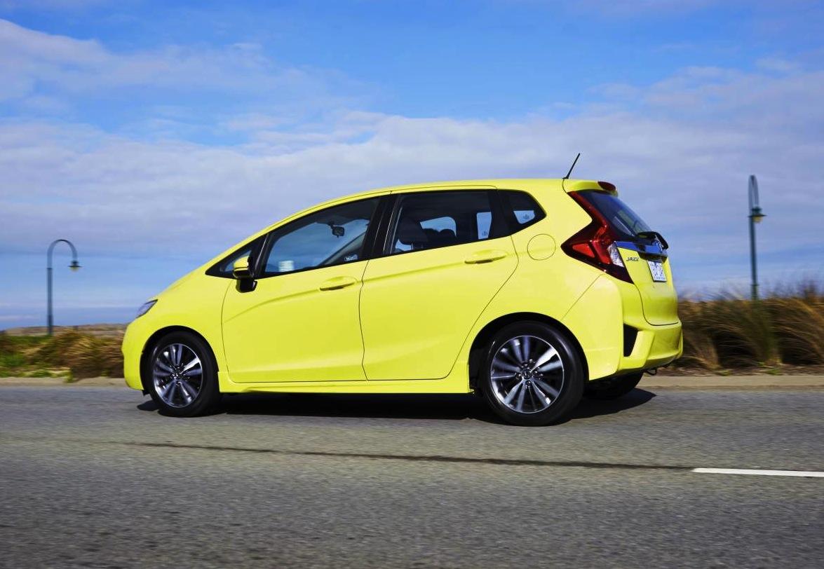 Honda jazz used car price 14