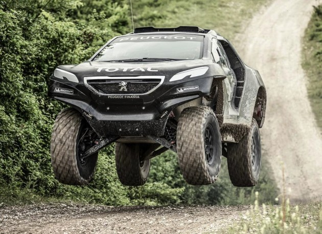 2015 Peugeot 2008 DKR-jump