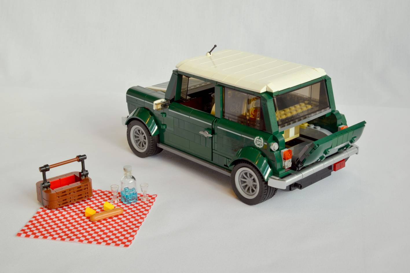 lego adds mini cooper to creator expert series. Black Bedroom Furniture Sets. Home Design Ideas