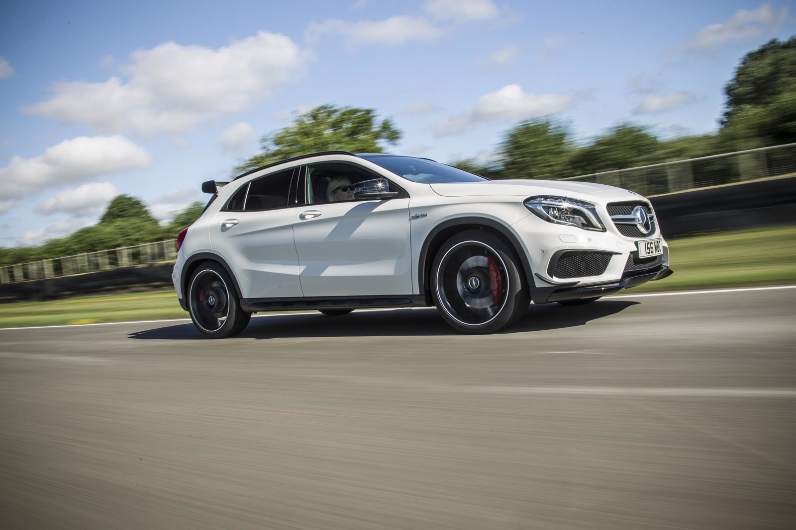 Mercedes benz gla 45 amg with aero kit performancedrive for Mercedes benz gla 45 amg for sale
