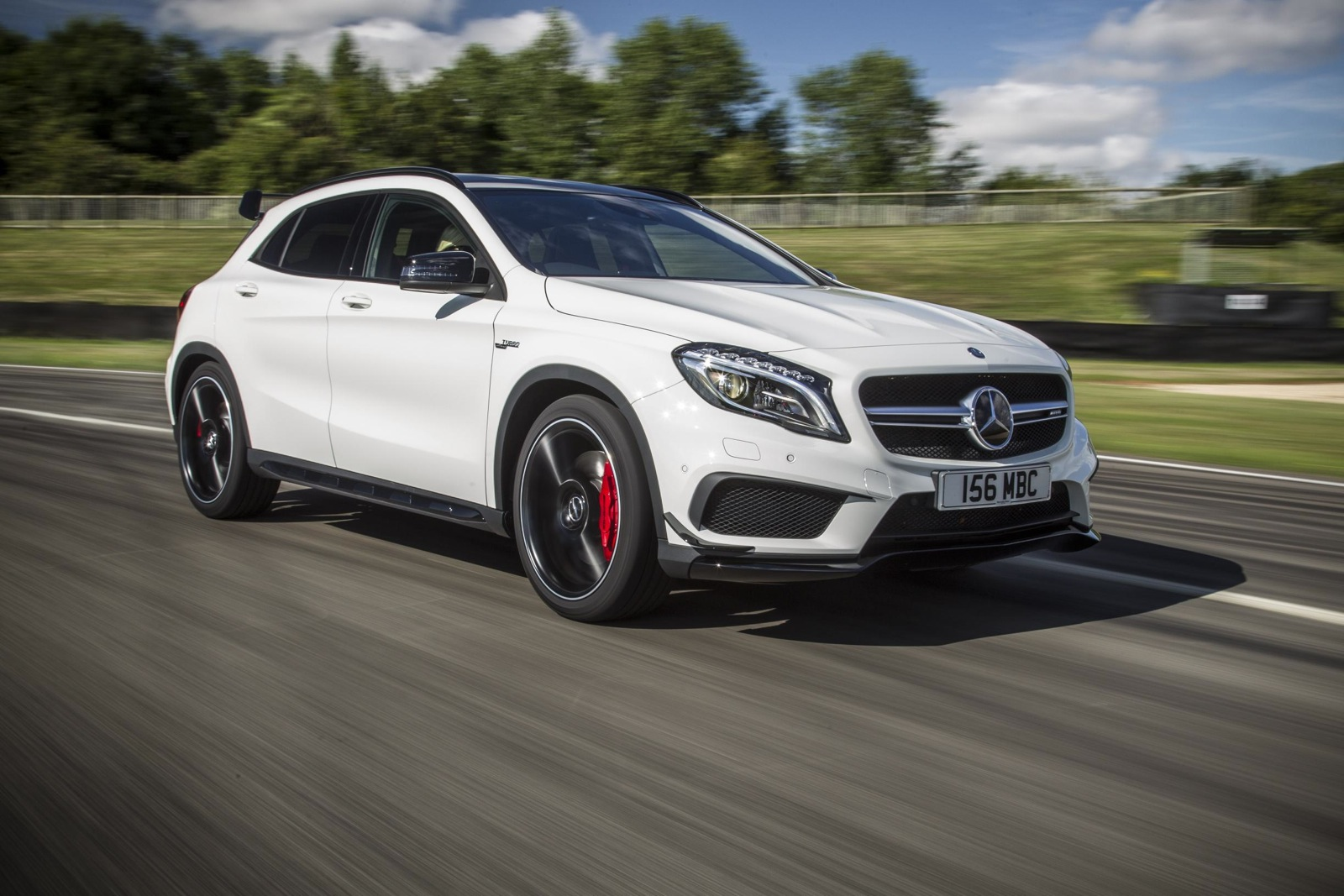 mercedes benz gla 45 amg with aero kit performancedrive